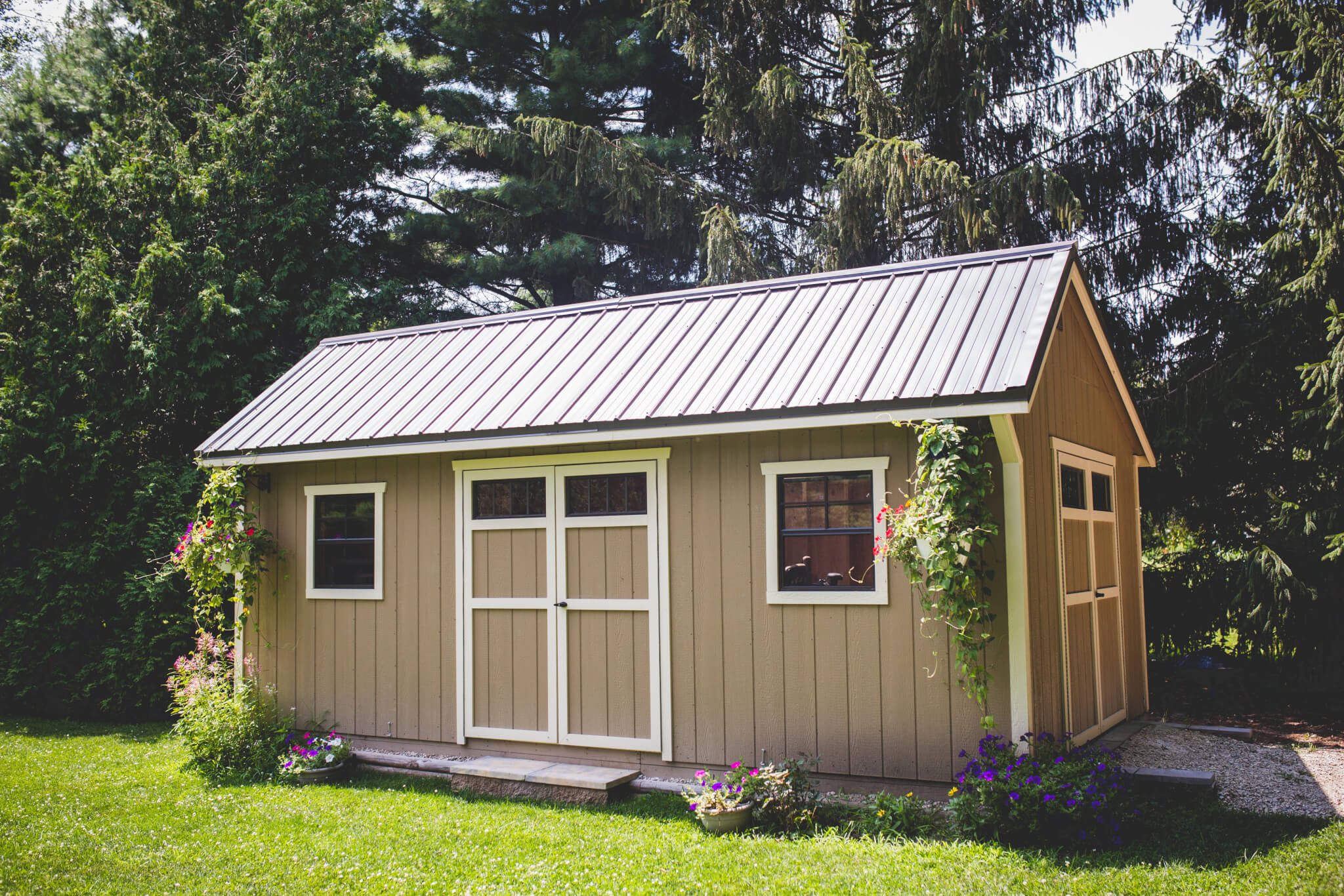 Garden barns sheds hostetler 39 s furniture for Barns and garages